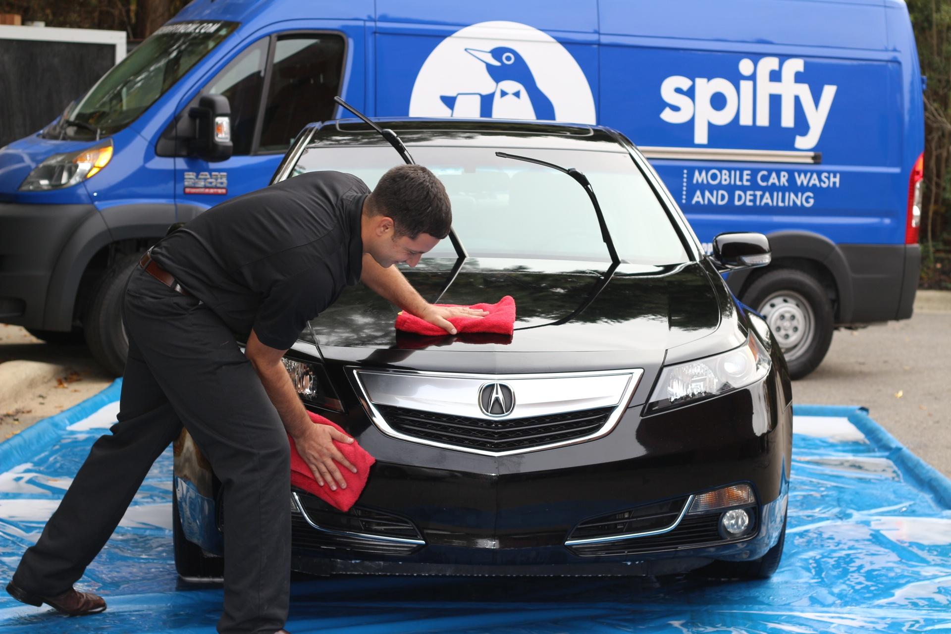 Spiffy Acura Hand Polish Wax
