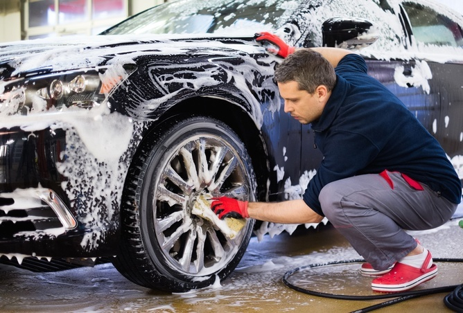Hand car washing