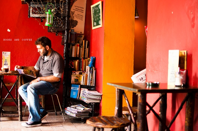 A quaint coffee shop is quintessential of Raleigh living